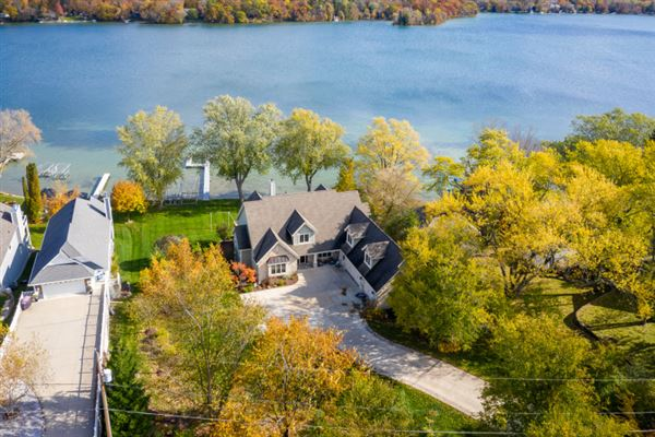Luxury homes amazing property on big cedar lake