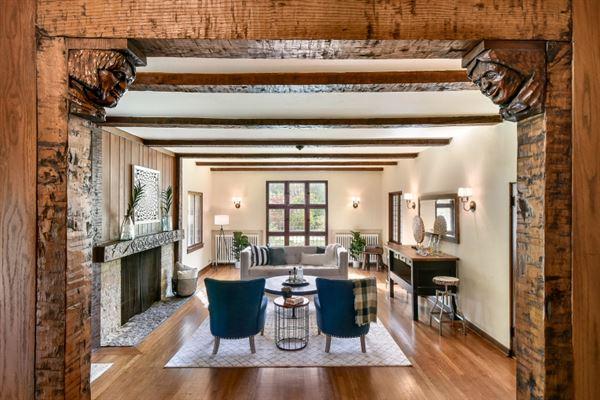 the Evinrude Estate luxury homes