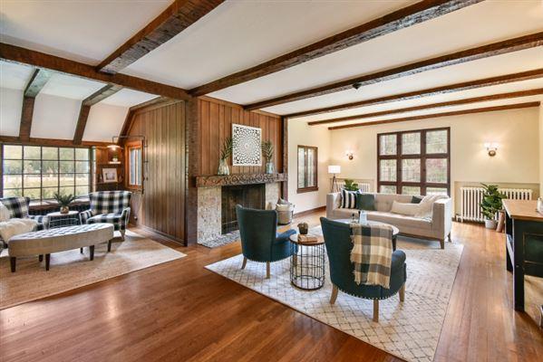 the Evinrude Estate luxury real estate