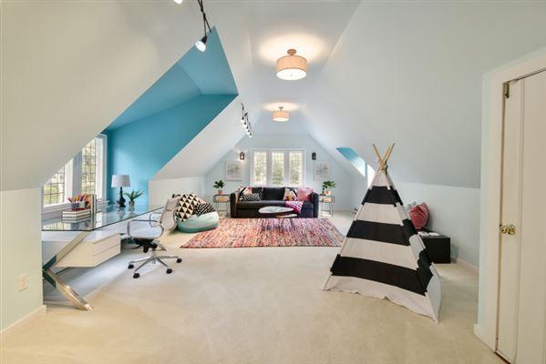 Luxury properties  the Evinrude Estate