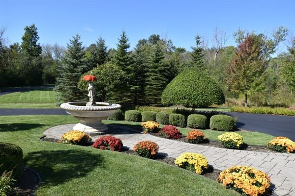 Mansions private wooded 5 acre colonial