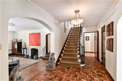 exquisite Tudor home mansions