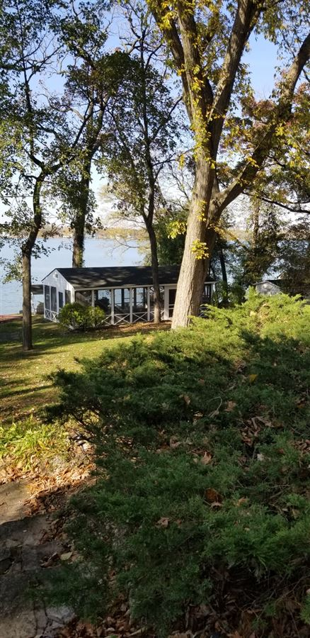 Luxury real estate a truly stunning property with Lake Elizabeth frontage