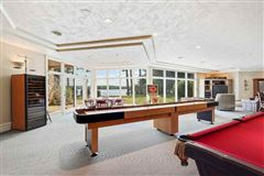Mansions exquisite and spacious lakefront home