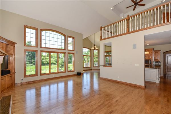 the best in pewaukee luxury real estate