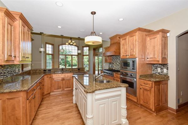 the best in pewaukee mansions