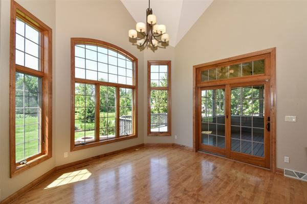 Luxury homes in the best in pewaukee