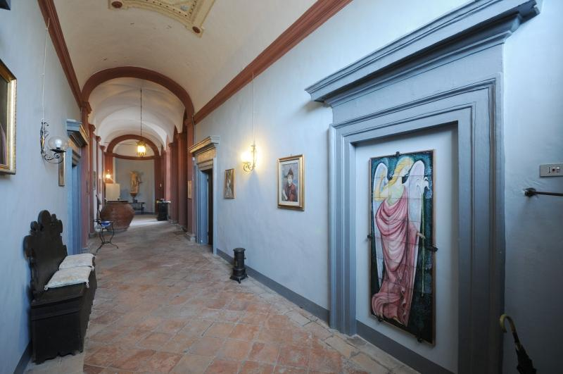 Luxury homes in Seventeenth Century Palace in perugia