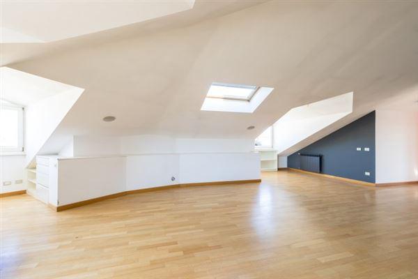 a splendid penthouse luxury homes