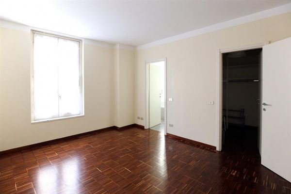 Luxury real estate beautifully detailed apartment with a perfectly cut floor plan