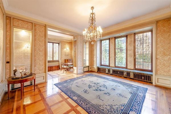 Luxury real estate Luxury residence for sale Milan via Marchiondi in Italy