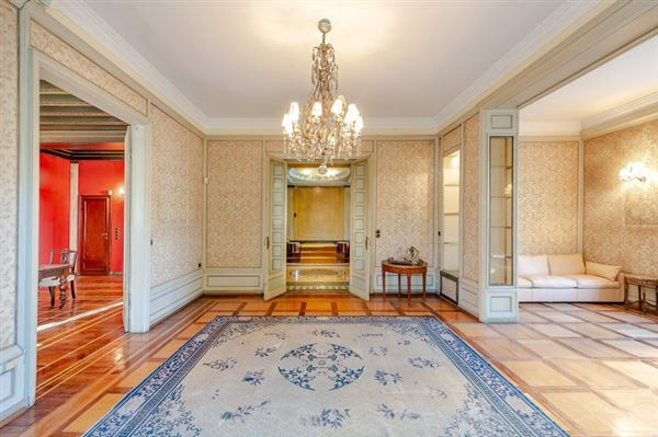 Luxury residence for sale Milan via Marchiondi in Italy luxury properties
