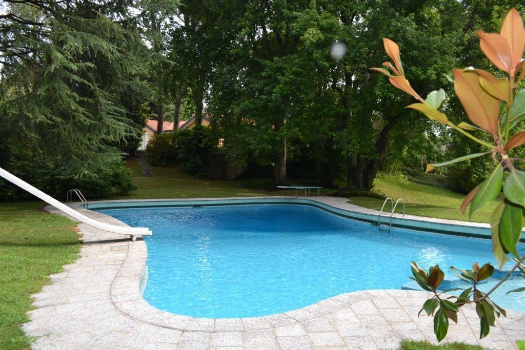 Luxury properties charming house in montorfano