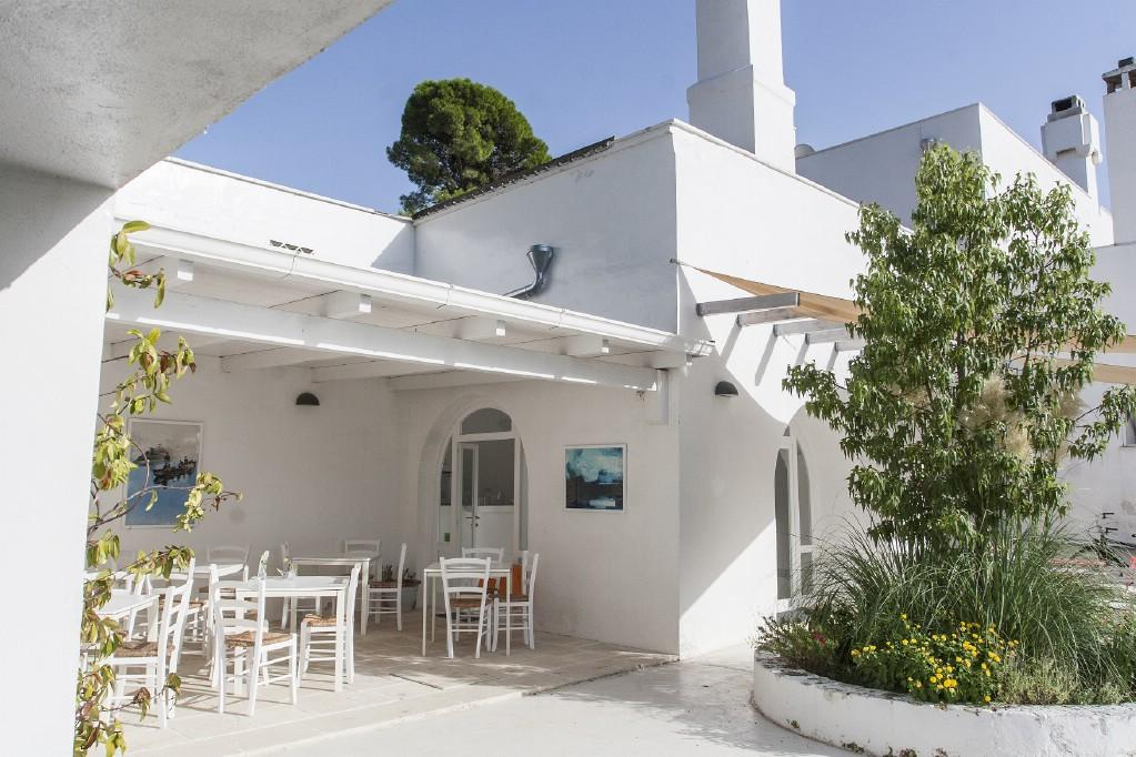 Traditional 18th century farmhouse in Puglia luxury homes