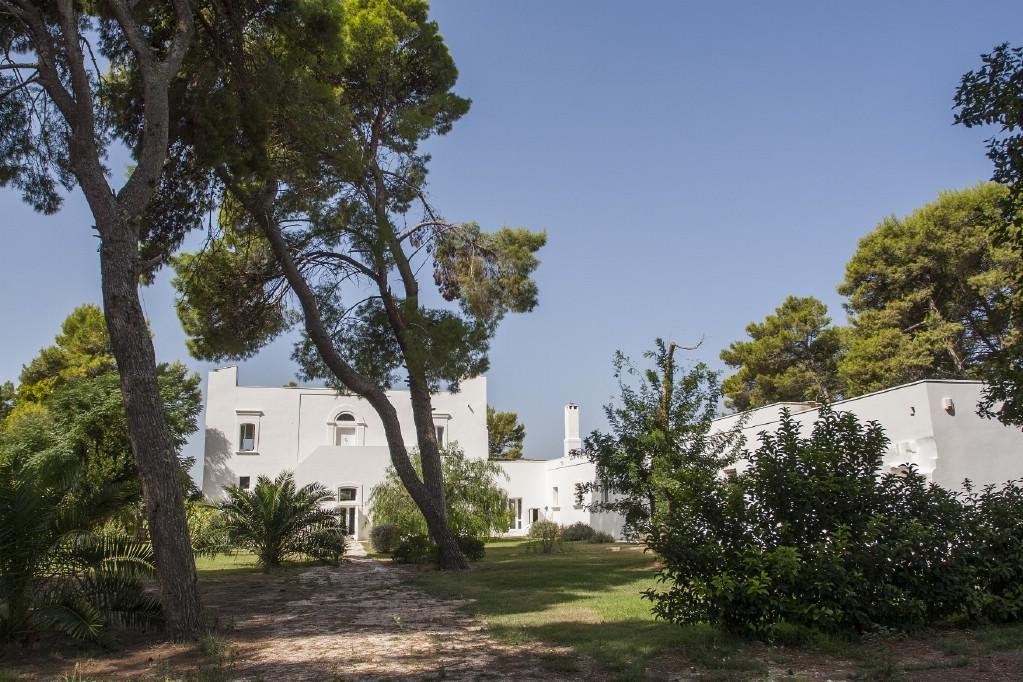 Mansions in Traditional 18th century farmhouse in Puglia