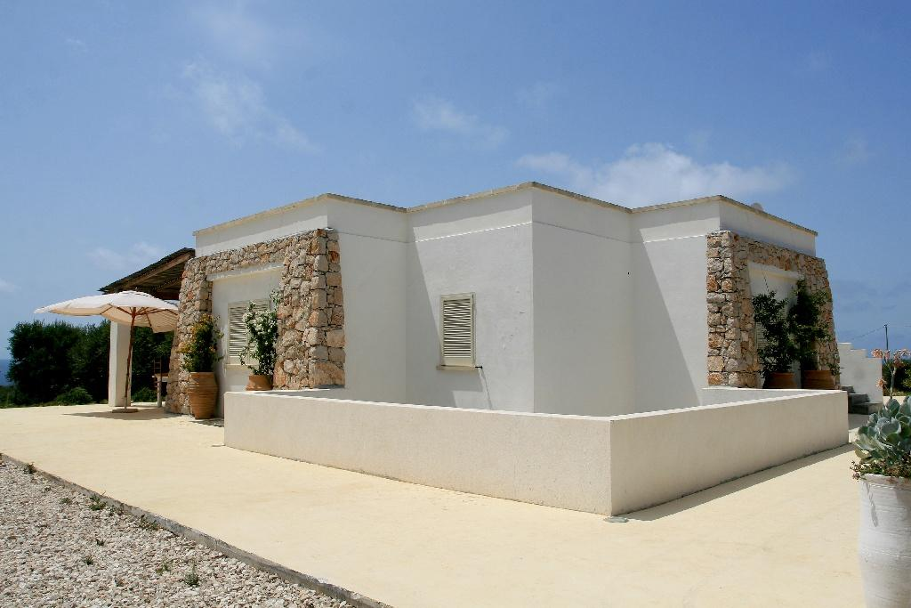 Mansions in Villa in typical Mediterranean style in Salento