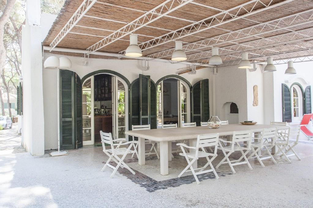 Wonderful villa with pool by the Riva dei Tessali luxury properties