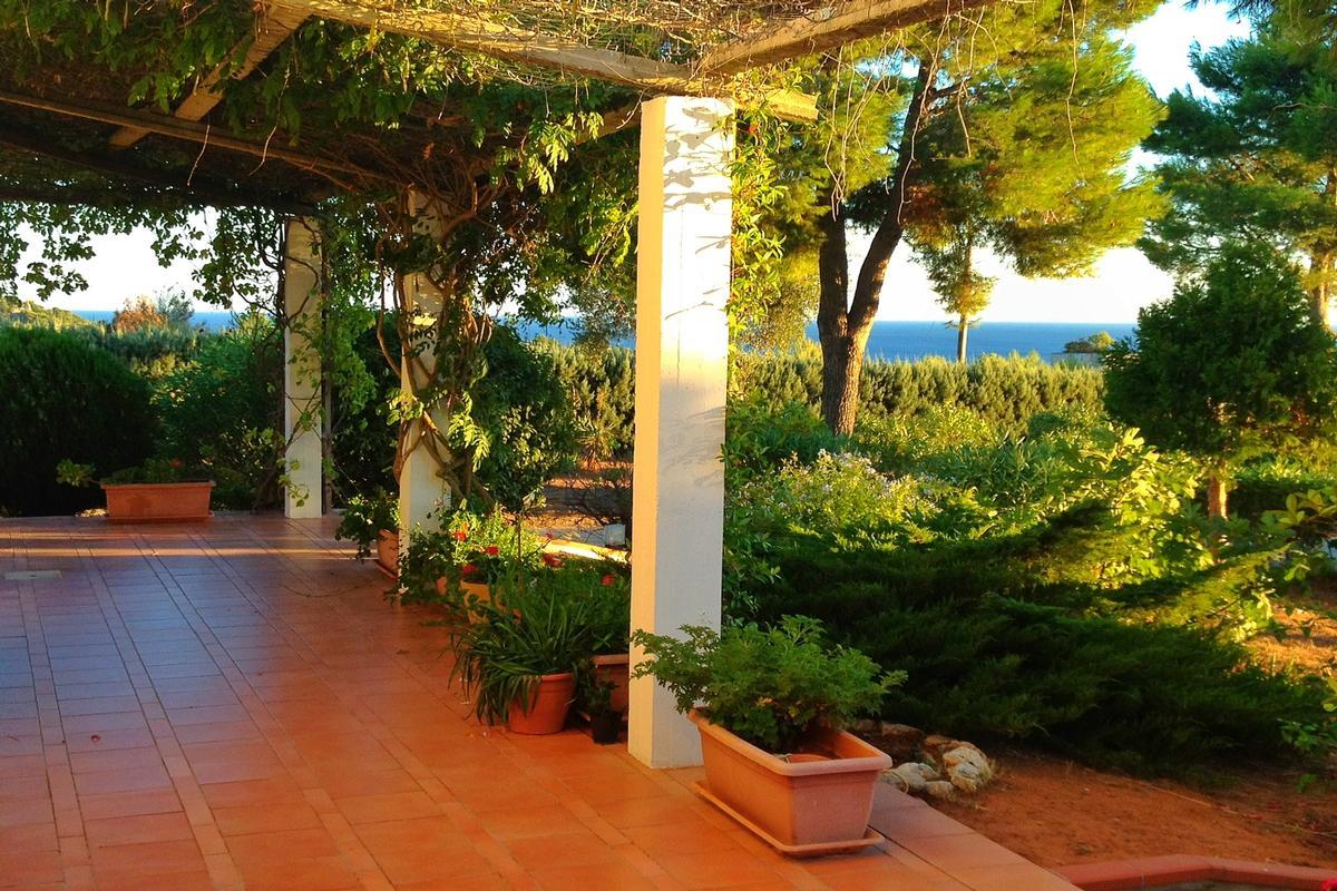 Luxury real estate Wonderful mediterranean villa in Leuca