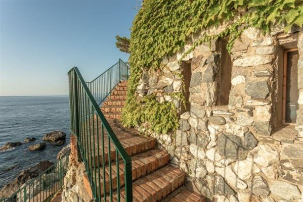 beautiful villa offers exclusive access to the sea luxury homes