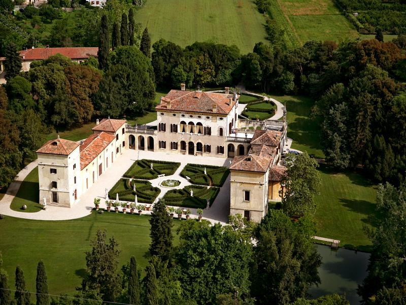 Mansions historic villa in Valpolicella