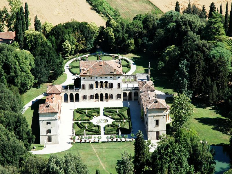 historic villa in Valpolicella luxury real estate