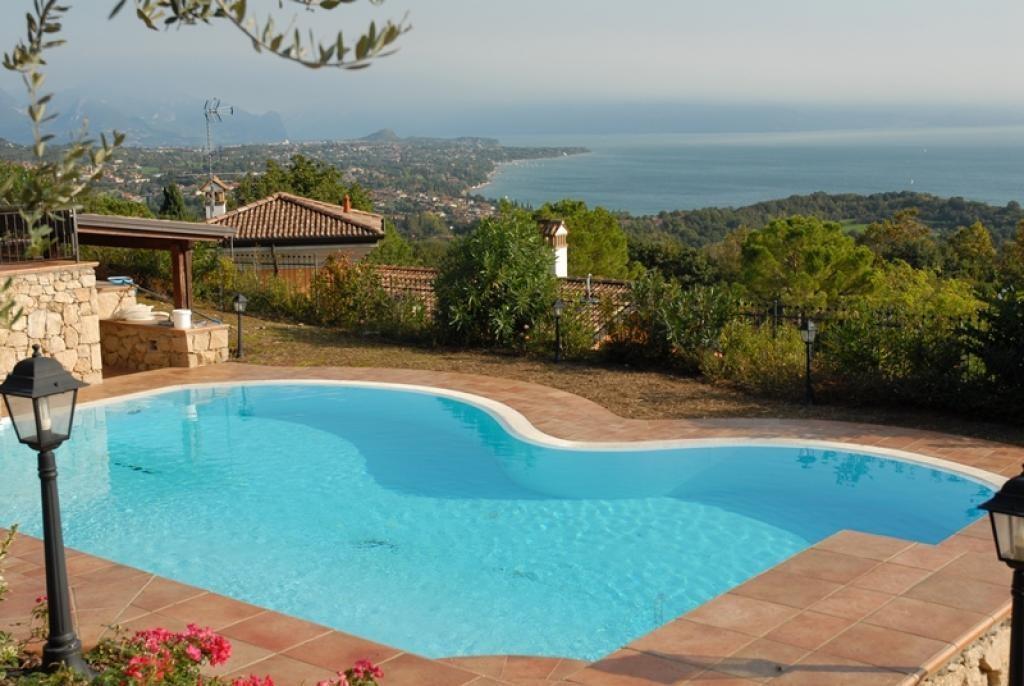 Luxury homes Villa built with Prestigious materials