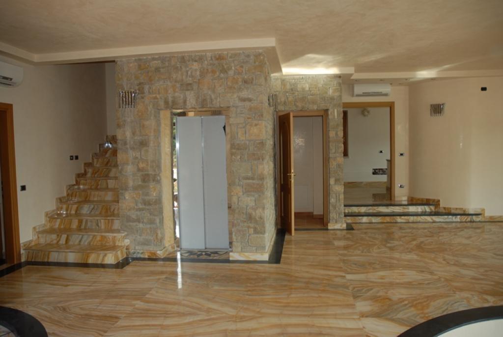 Villa built with Prestigious materials luxury real estate