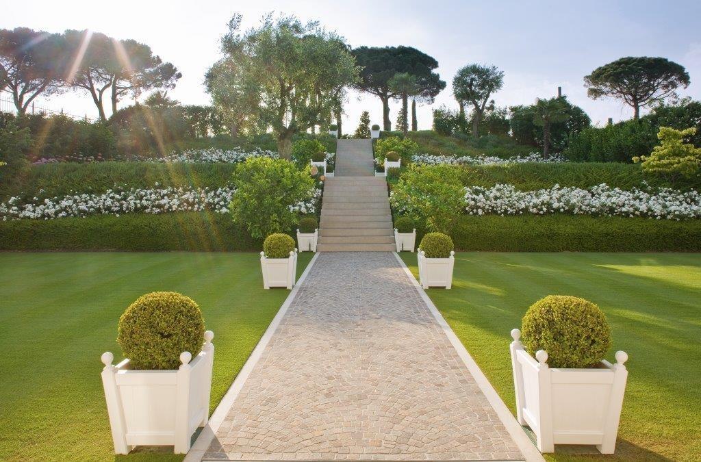 Luxury homes Elegant Villa in fantastic location