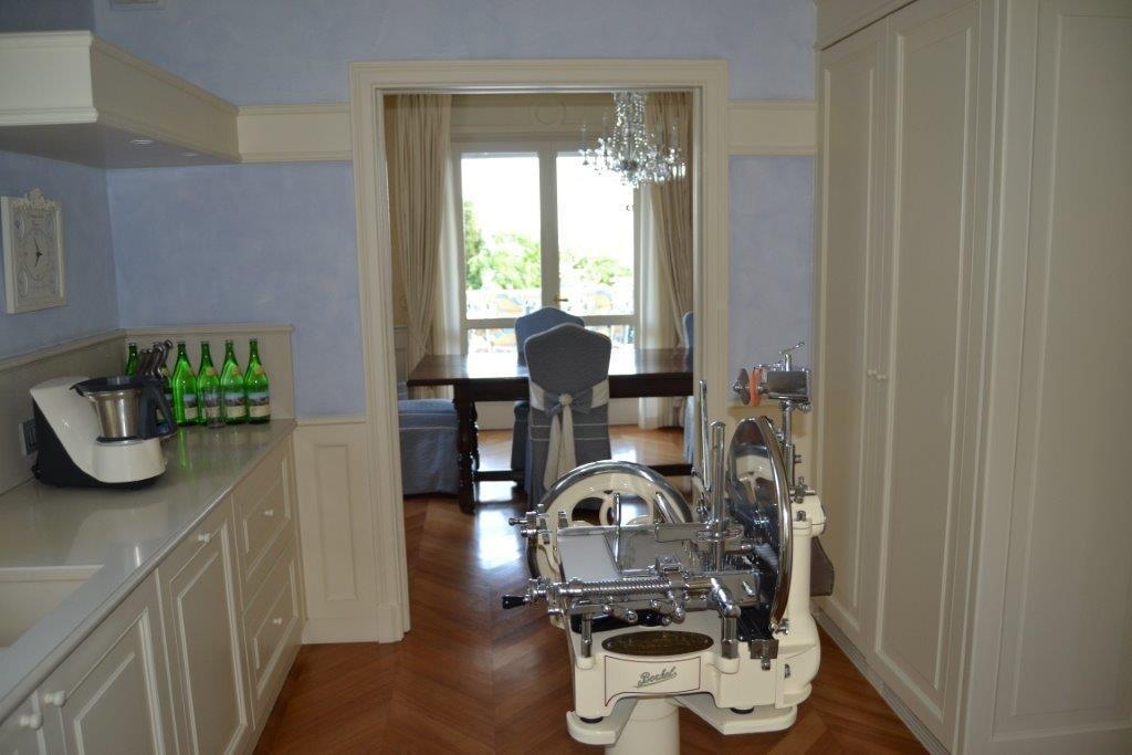 Luxury real estate Elegant Villa in fantastic location