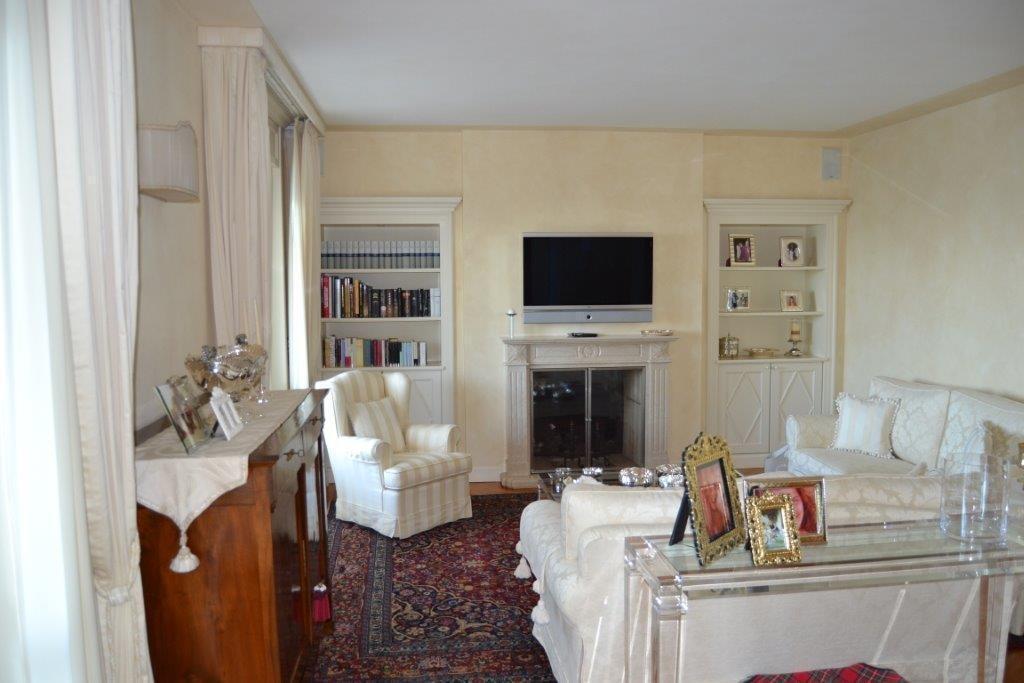 Luxury properties Elegant Villa in fantastic location