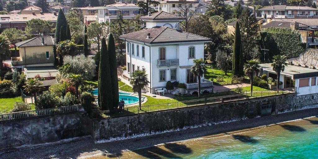 Prestigious Liberty Villa In Garda Lake luxury homes