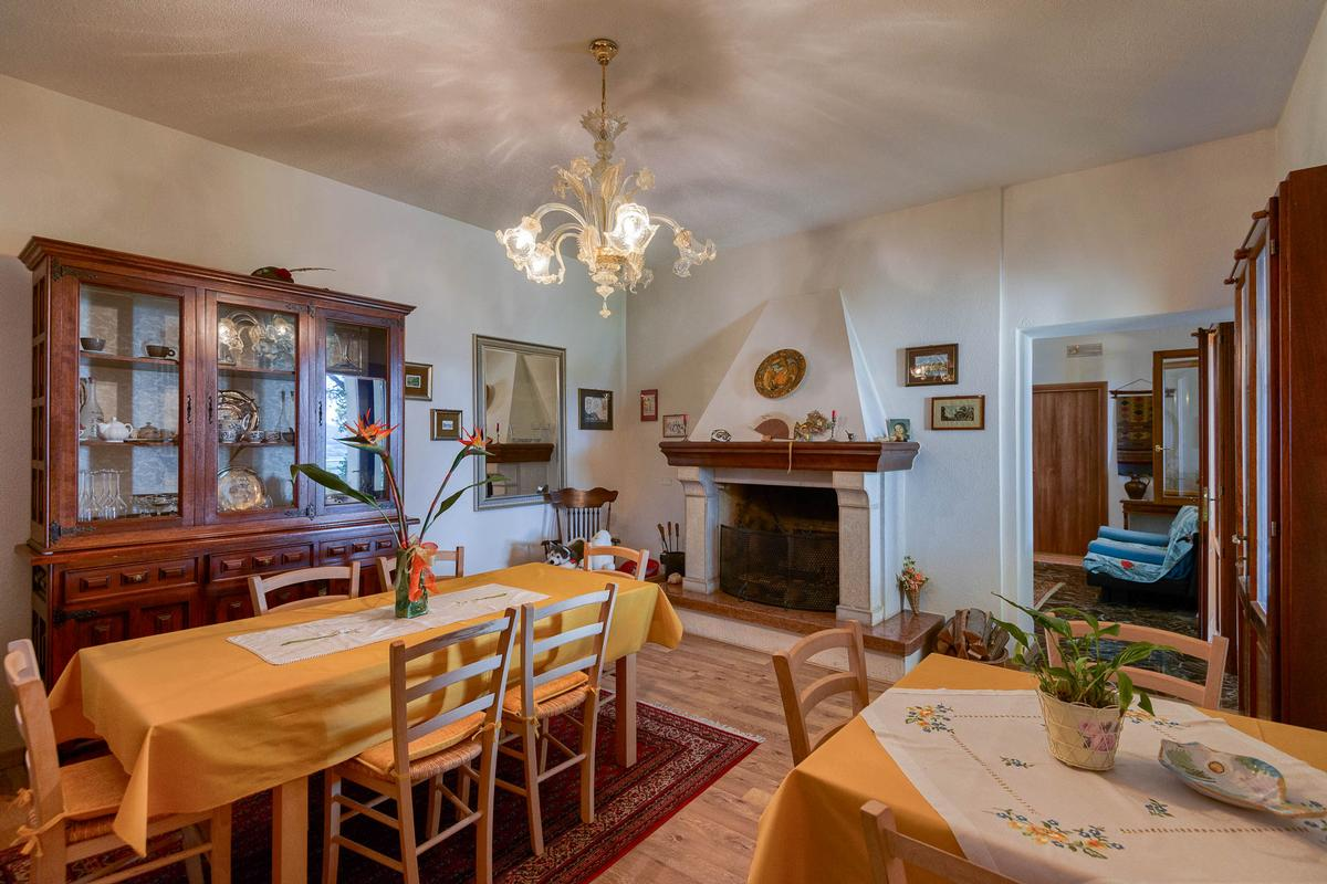 NOTEWORTHY VILLA WITH PADDOCK IN VICENZA luxury real estate