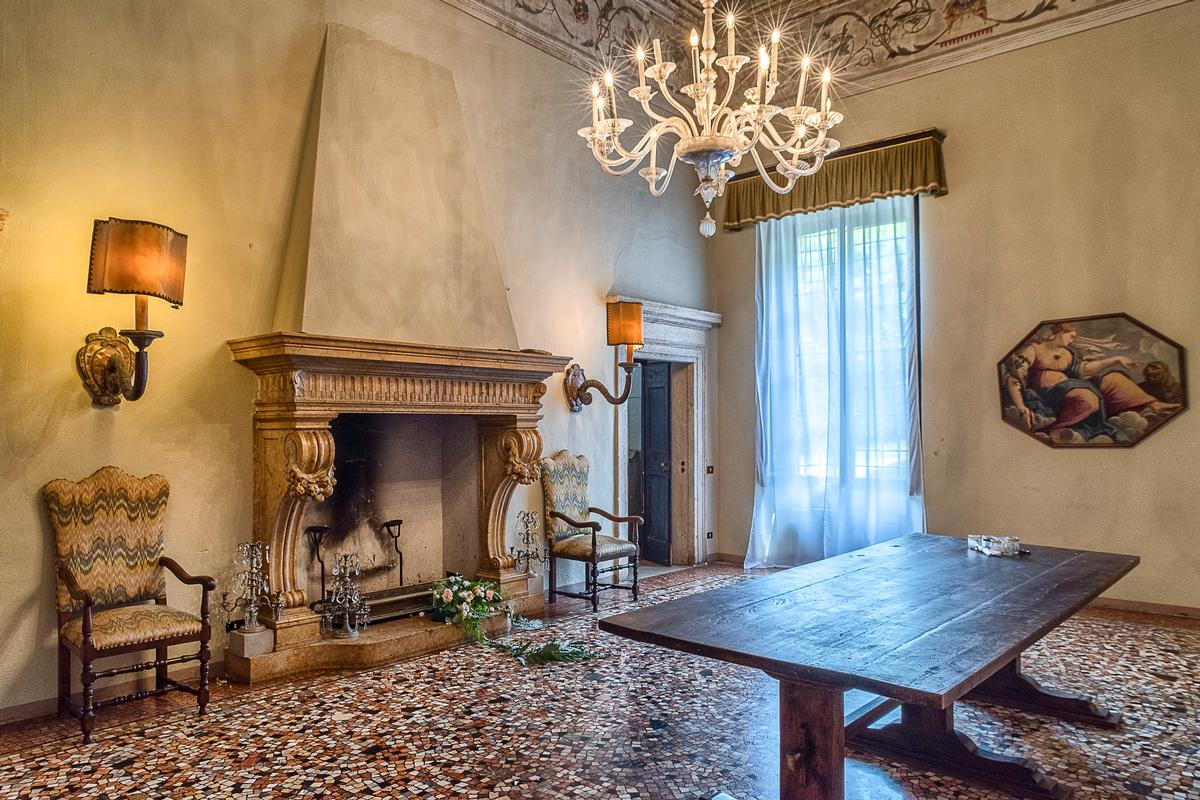 Luxury real estate Amazing Renaissance Villa in Verona Italy