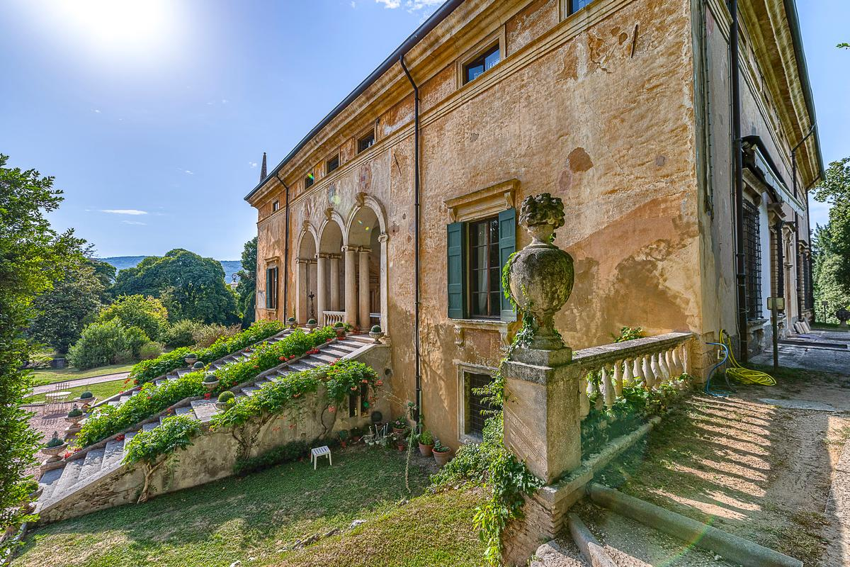 Amazing Renaissance Villa in Verona Italy mansions