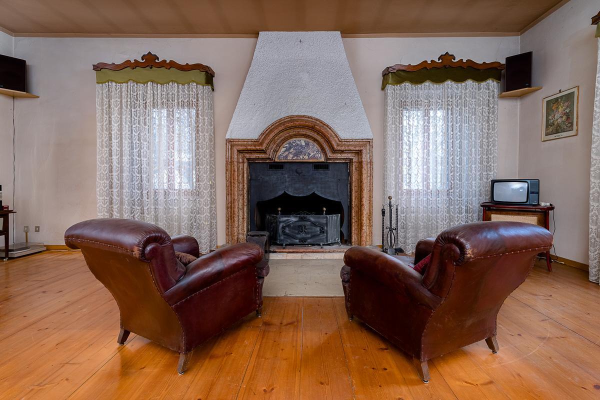 OLD VILLA AMIDST THE MOUNTAINS IN AVIO, TRENTO luxury properties