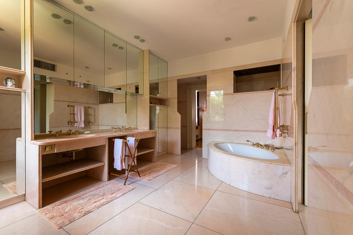 Luxury homes in A CLASSY AND CHARMING VILLA IN LENDINARA ROVIGO