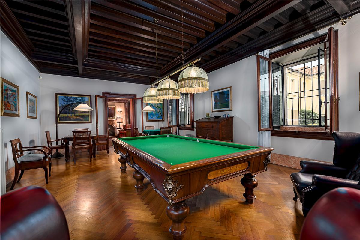 A CLASSY AND CHARMING VILLA IN LENDINARA ROVIGO luxury homes