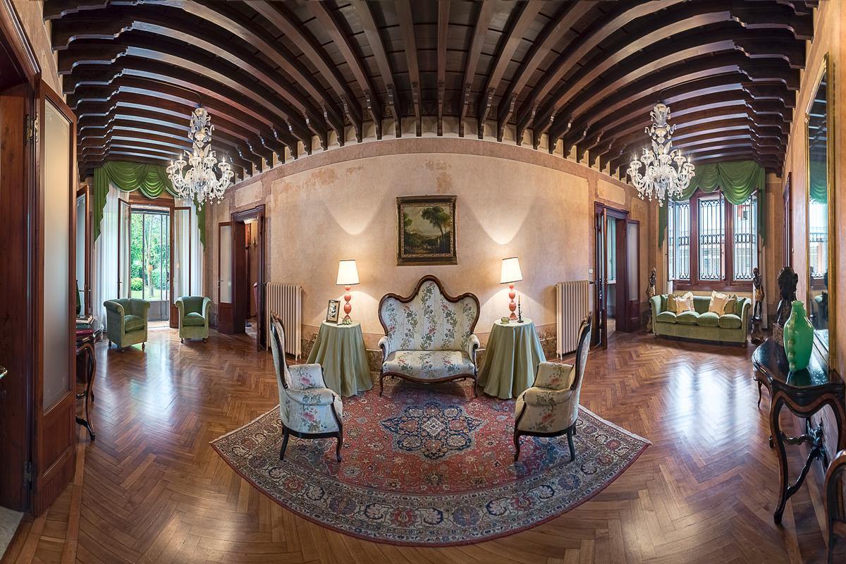 Luxury homes A CLASSY AND CHARMING VILLA IN LENDINARA ROVIGO