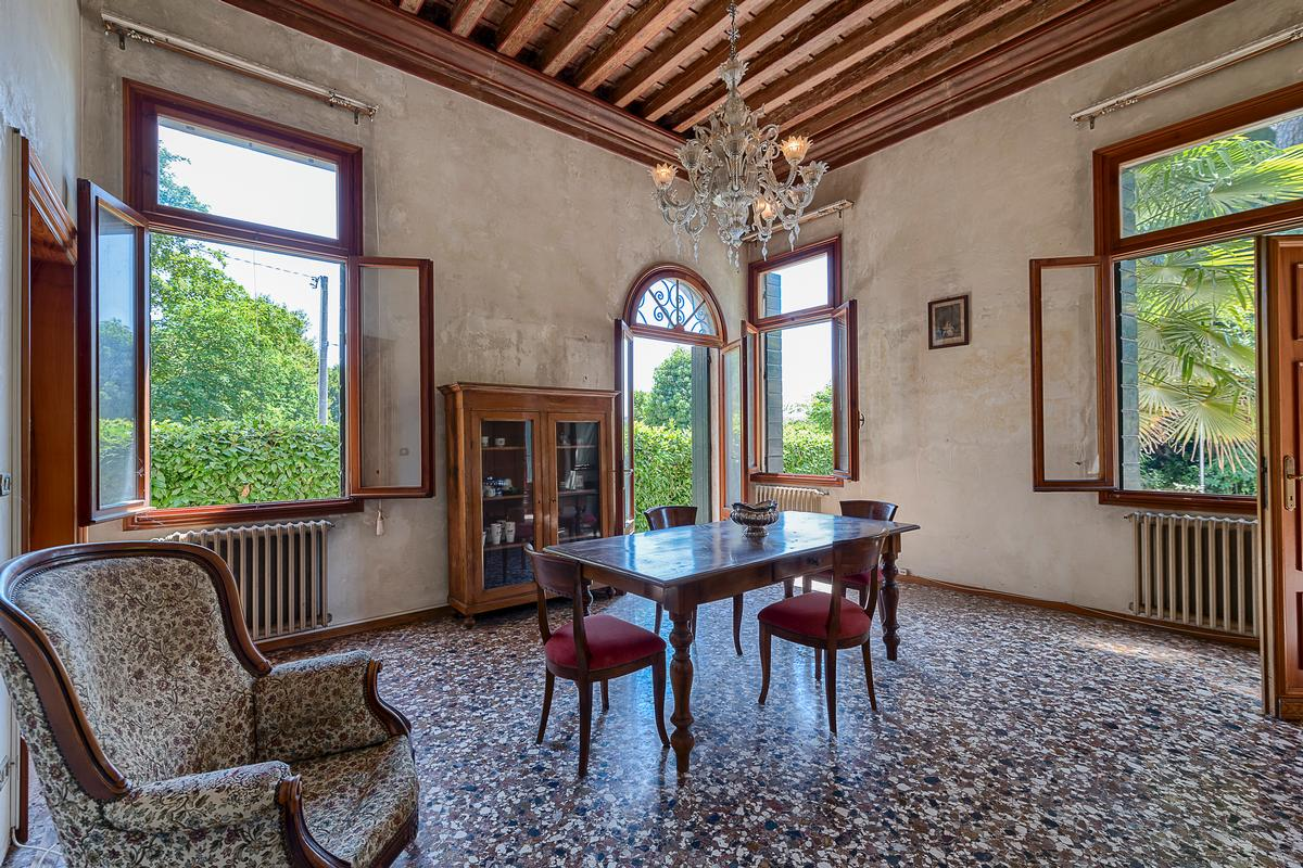 Luxury homes Ancient high-end Villa Bembo