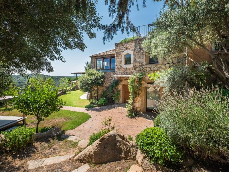 Luxury real estate Villa Sirea