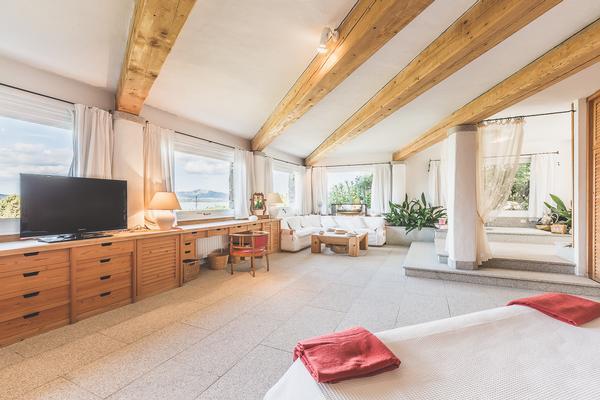 Waterfront Villa in Porto Rotondo for Rent luxury homes