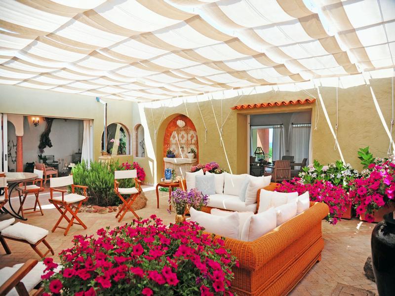 Villa Solenzana in Sardinia mansions