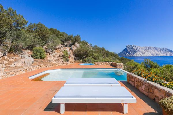 Villa Punta Molara luxury properties