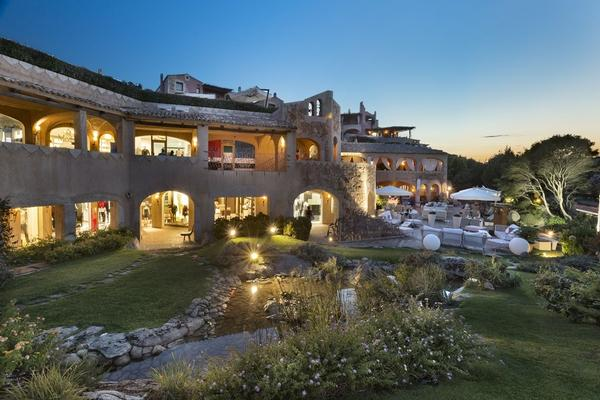 Mansions in Boutique Residence