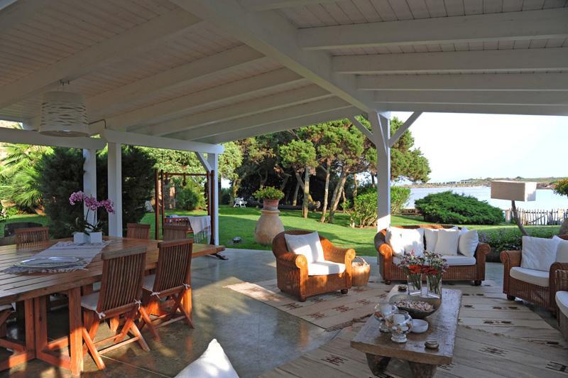 Mansions Villa Solenzana in Sardinia for Rent