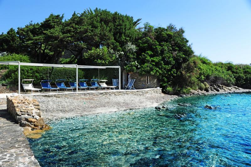Villa Solenzana in Sardinia for Rent luxury real estate