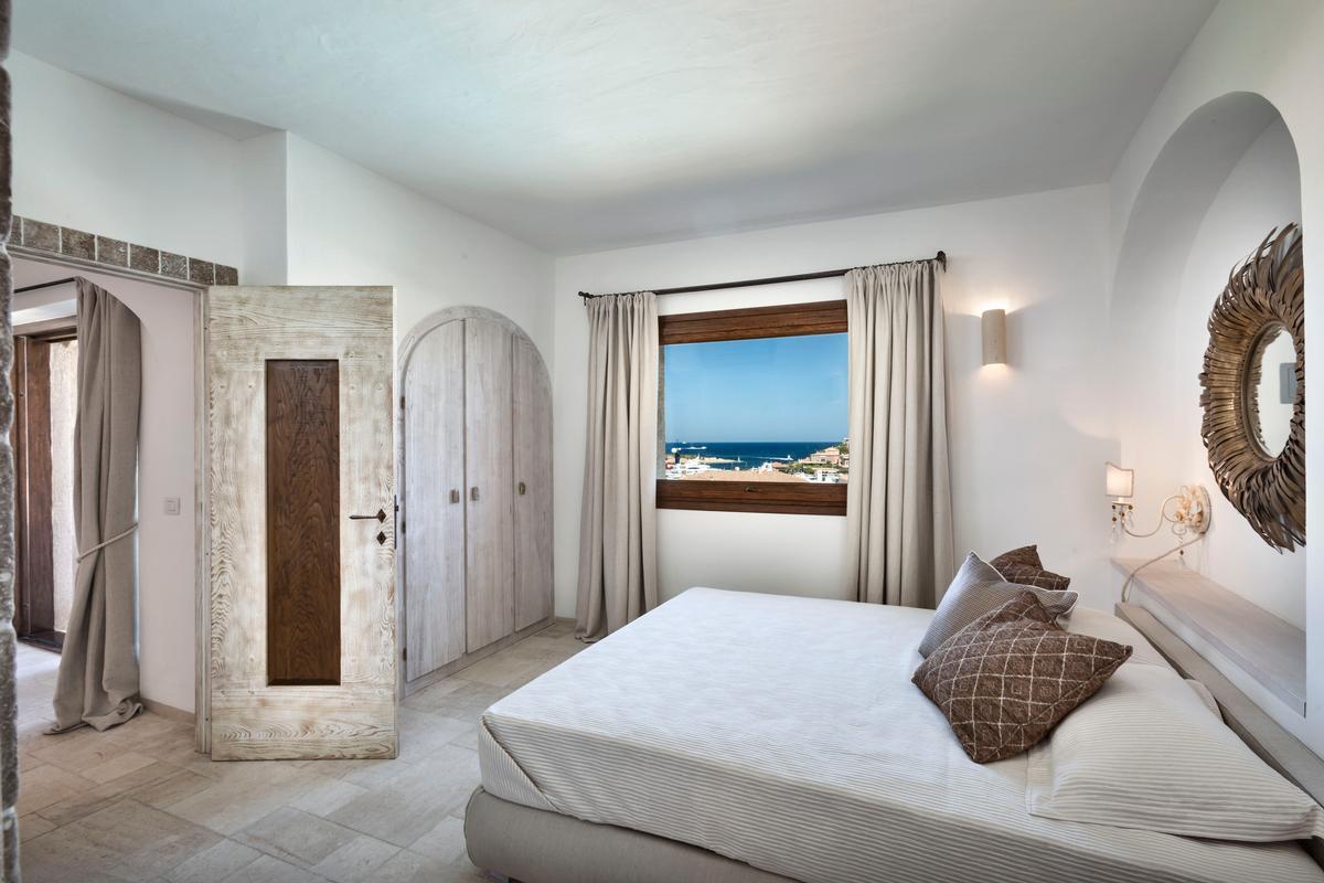 Luxury properties Luxury Apartment on the Marina