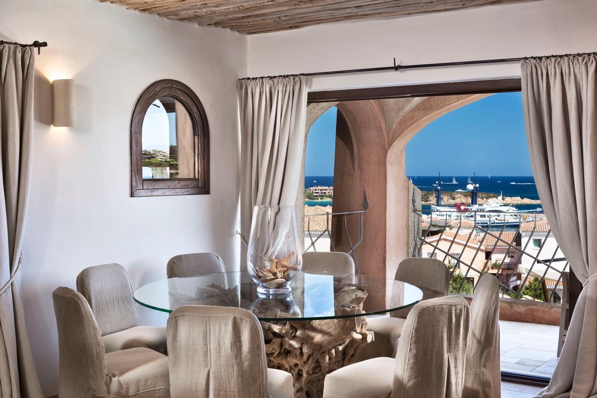Luxury Apartment on the Marina luxury real estate