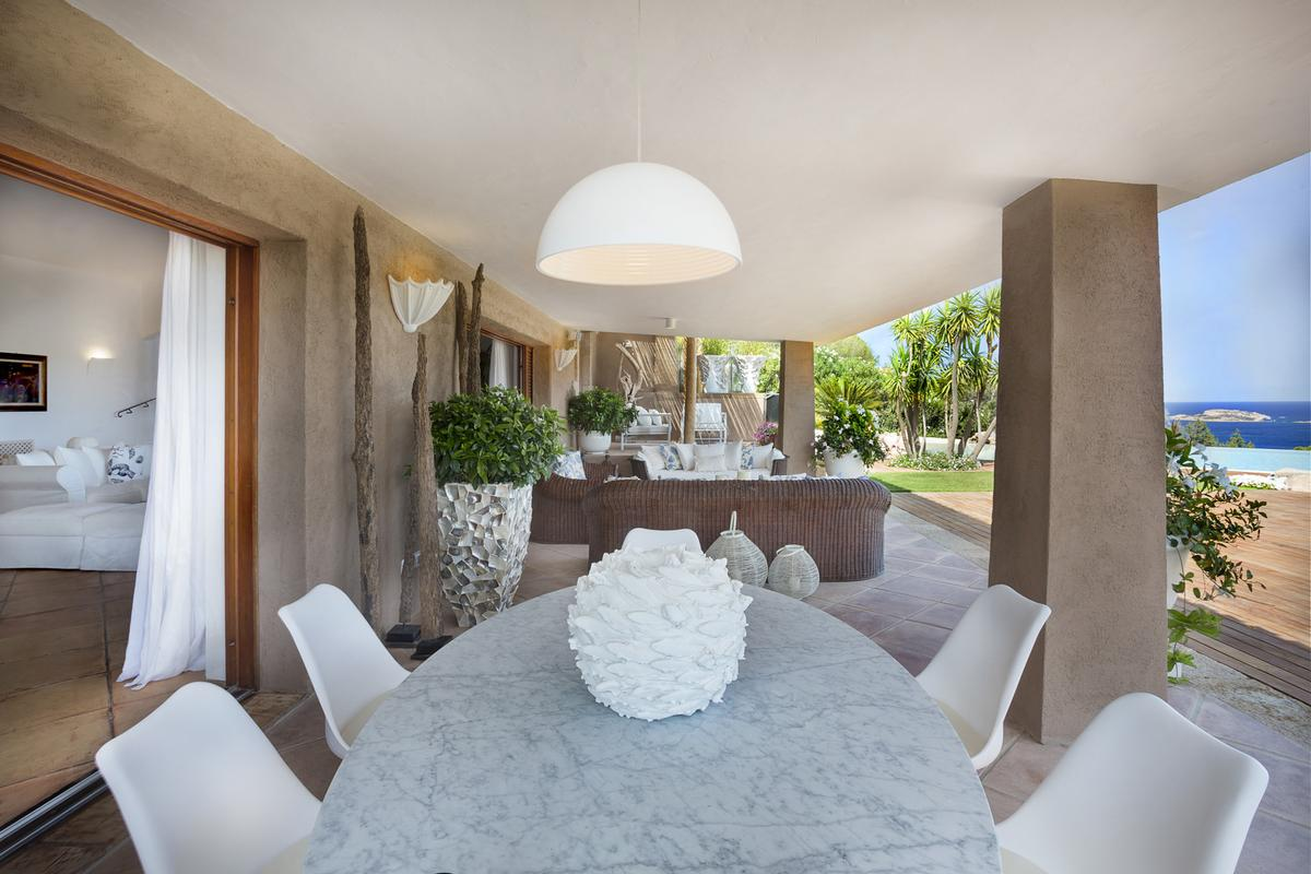 Villa Nibani luxury real estate