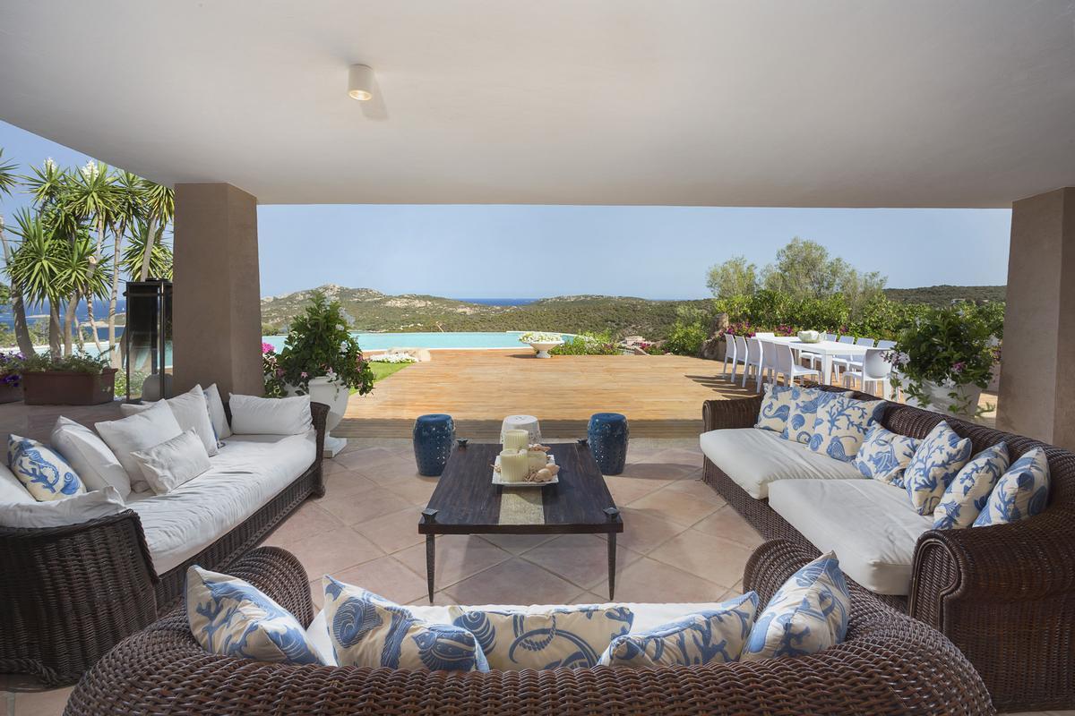 Luxury real estate Villa Nibani